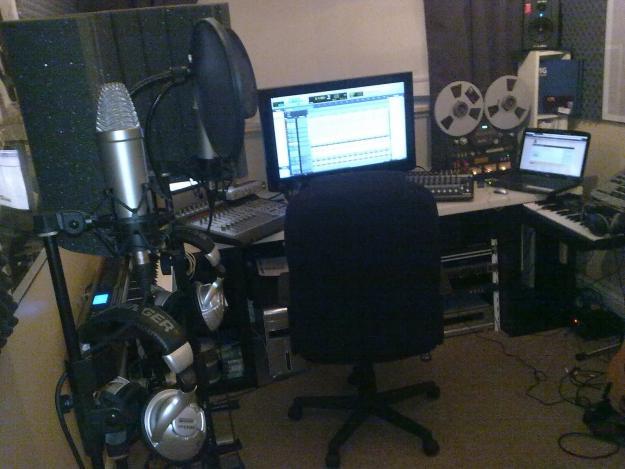 Home Recording Studio. Small Set Up.