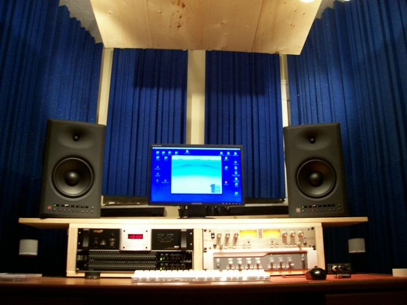 Awe Inspiring Home Recording Studio Page 1 Largest Home Design Picture Inspirations Pitcheantrous
