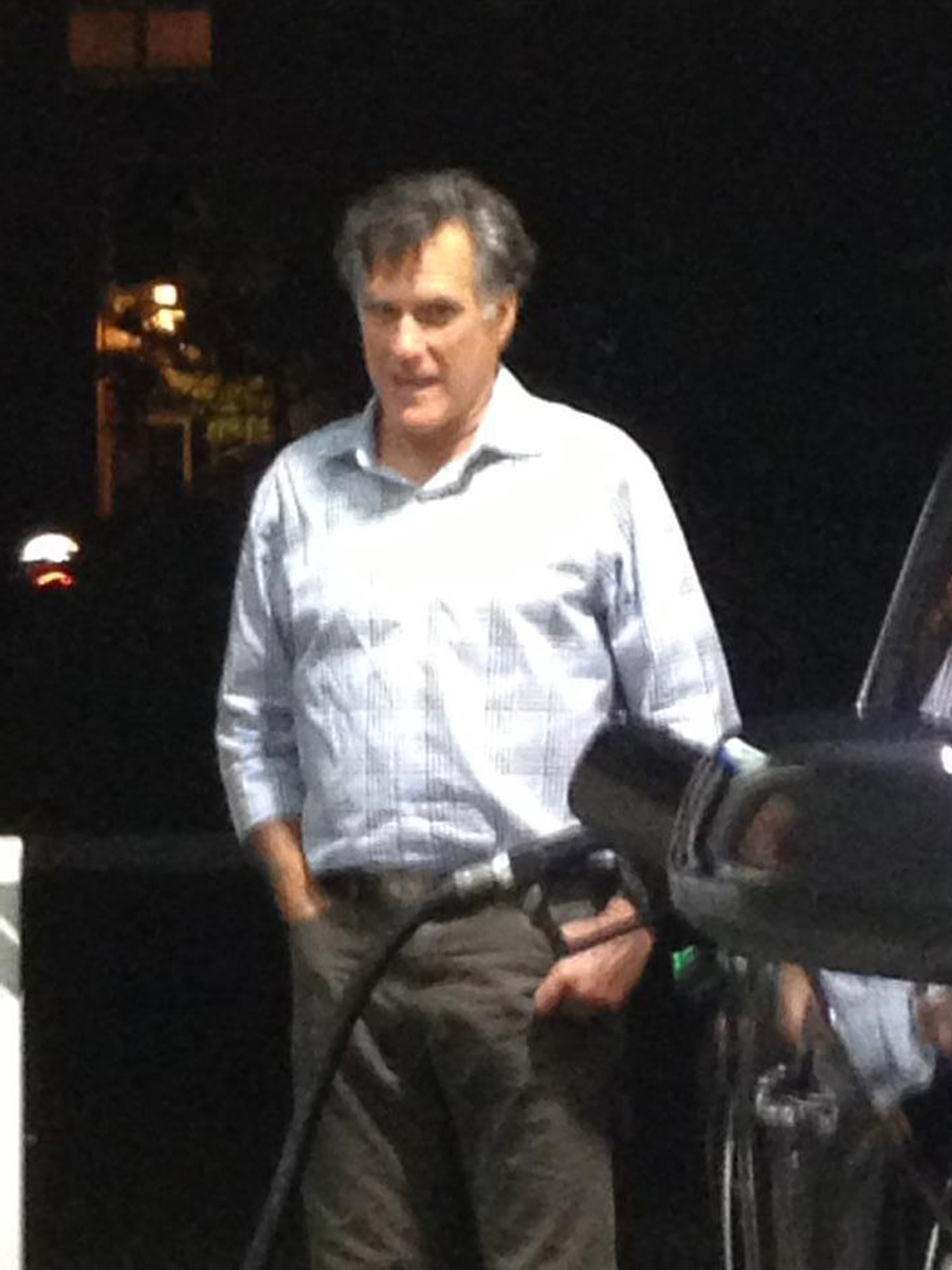 Mitt Romney Finally Pumps His Own Gas