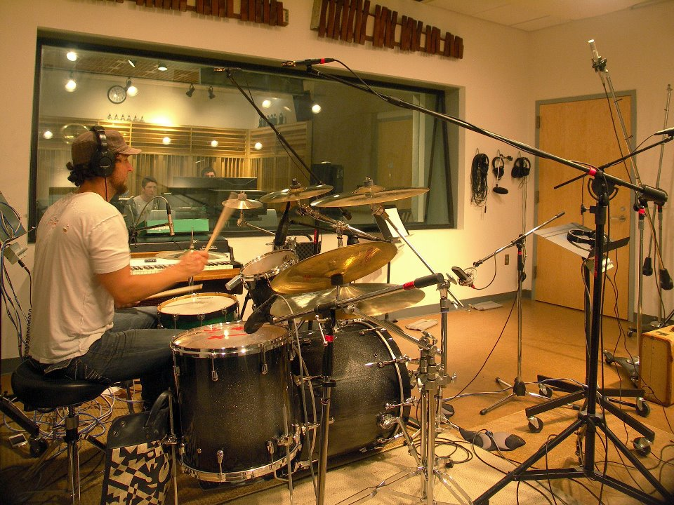 mics-on-drum-kit-studio