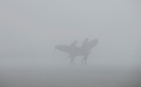 surfers-foggy-morning